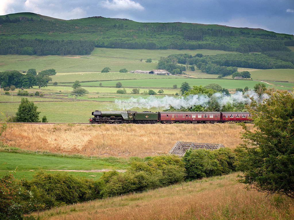 FLYING SCOTSMAN works through Gargrave heading North with the Waverley railtour.