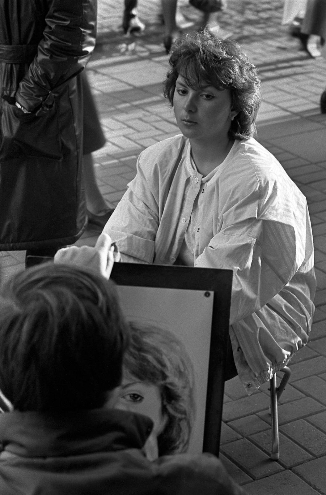 1985. Арбат, Художник и модель