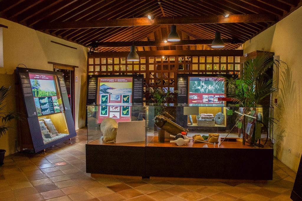 Paneles informativos en la Casa del Vino en Tenerife