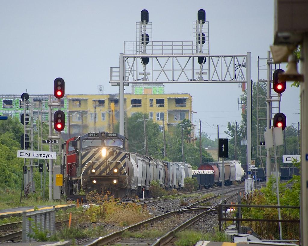 Leaving the north service track at Lemoyne