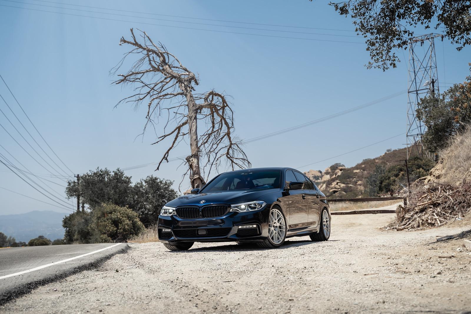 2017_BMW_530i_M_Sport_BDF12_Brushed_Silver_1