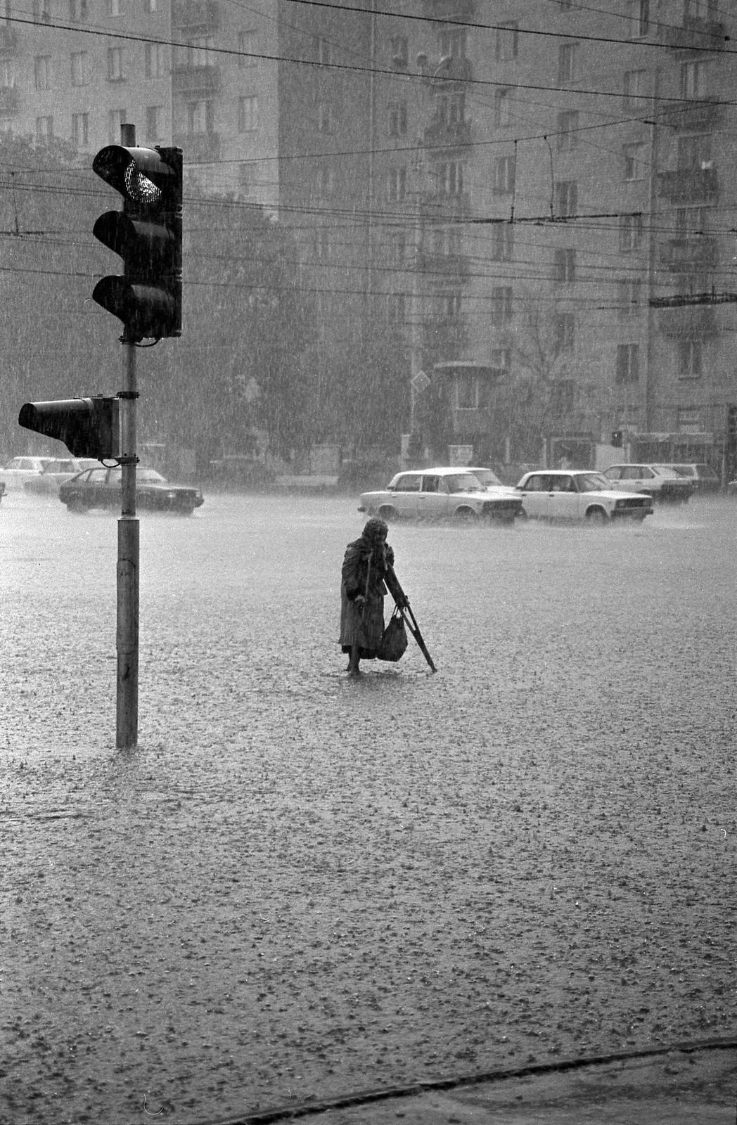 1985. Июльский дождь на Ленинском проспекте,