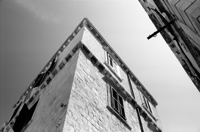 Looking up  (FM3a / Acros)