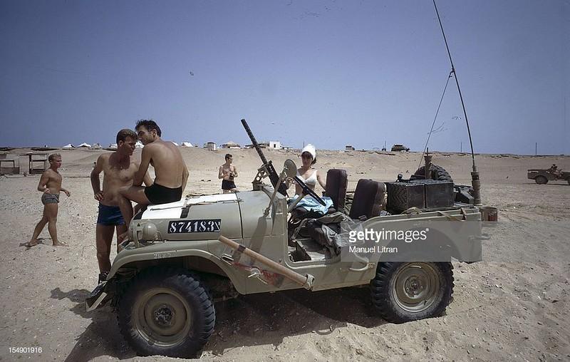 Radio-GRC-jeep-196707-1