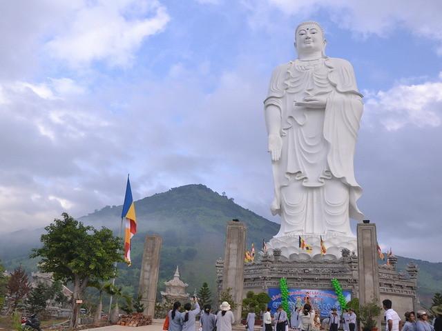 Tong-Lam-Lo-Son-Pagoda-Nha-Trang