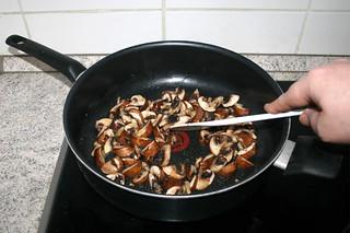 06 - Braise mushrooms / Pilze andünsten