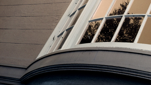 A19973 / bay window on 12th avenue