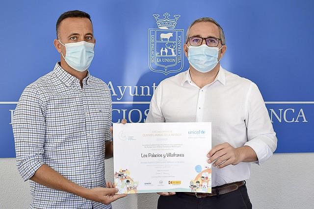 Los Palacios y Villafranca ha recibido hoy oficialmente la declaración de Ciudad Amiga de la Infancia