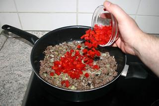 12 - Add bell pepper / Paprika addieren