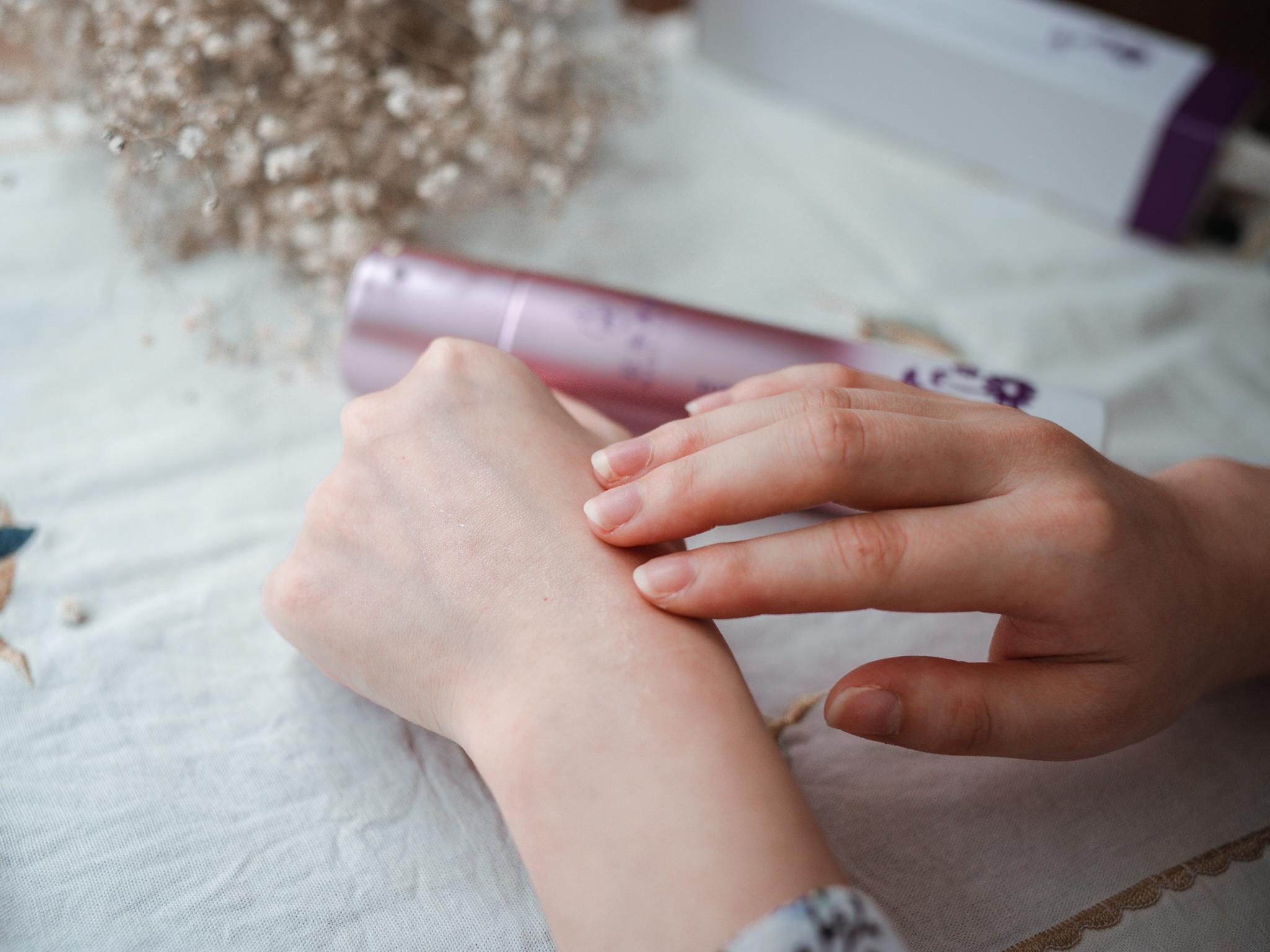 夏日肌膚保養該怎麼做?4大保養TIPS養出水嫩肌。全效潤澤保濕露