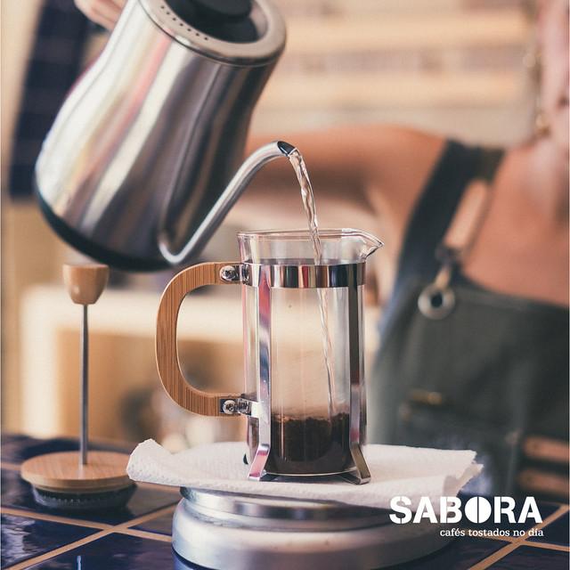 Preinfusionar o café 30 segundos