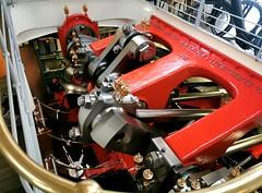 Parník - otevřená kliková skříň motorového pohonu