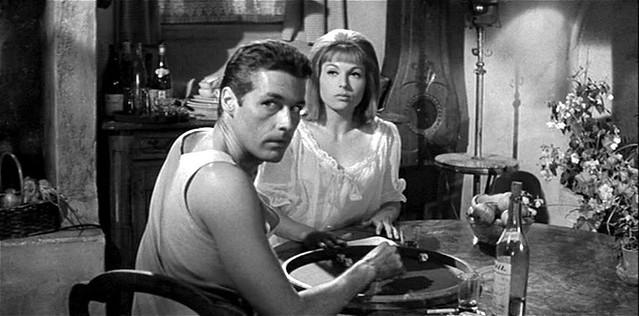 Kerwin Mathews et Liliane Brousse dans le film Maniac (Michael Carreras, 1963)