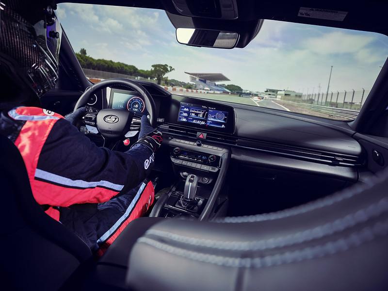 Hyundai-Elantra-N-i30 (10)