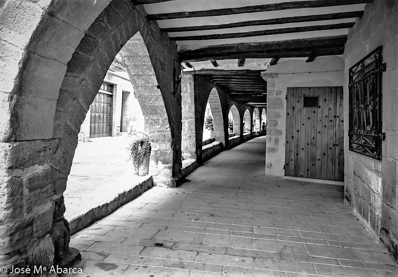 Los porches de La Fresneda