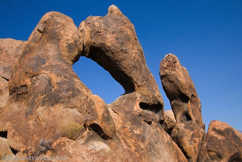 Another unnamed but very interesting arch, Alabama Hills National Scenic Area, California