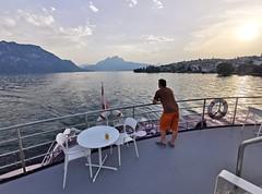 Pilatus při západu slunce z lodi