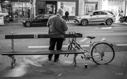 l'homme et le vélo