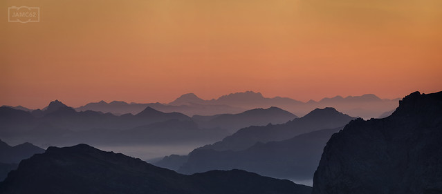 Anochece sobre la montaña leonesa. Vista desde Collado Jermoso.