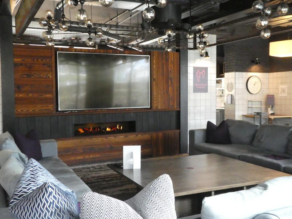 TV Lounge, Altido Vita, Edinburgh