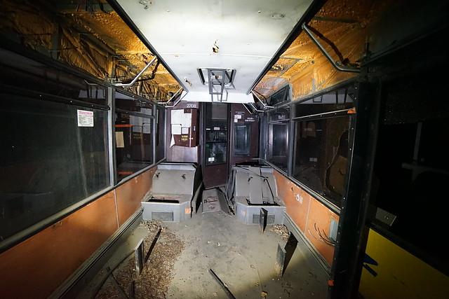 занедбаний автобус цирк (Україна)