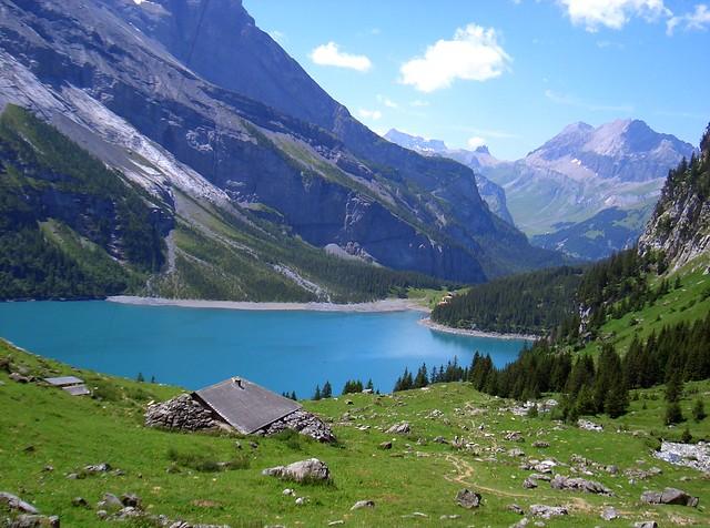 Oeschinensee, Kandersteg, Berner Oberland.
