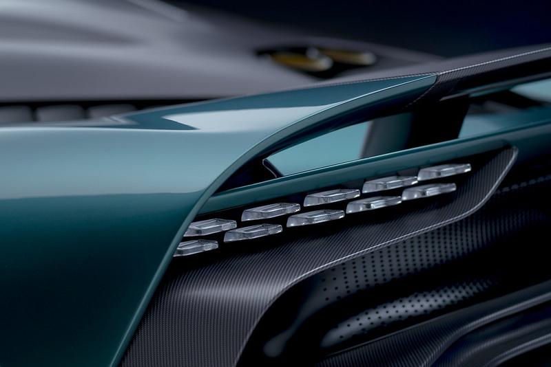 Aston-Martin-Valhalla (12)