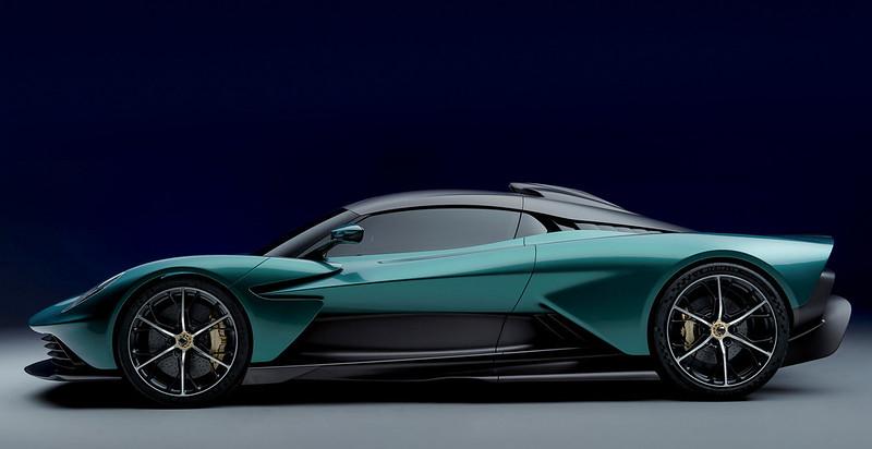 Aston-Martin-Valhalla (5)