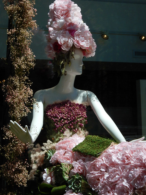 Fleurs de Ville: Rosé was a floral walk of various pinks, done in support of breast cancer research.