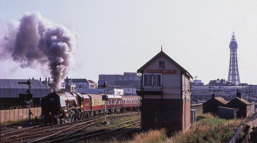 6233 At Blackpool. 14/09/2002.