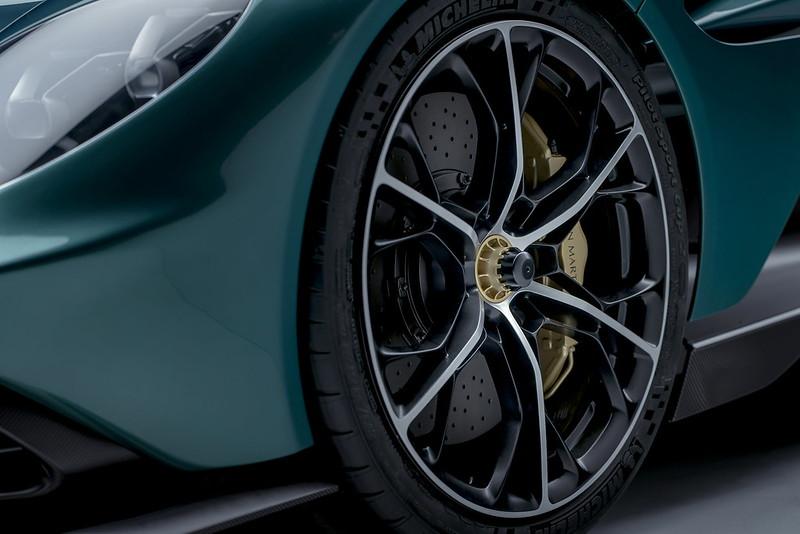 Aston-Martin-Valhalla (13)