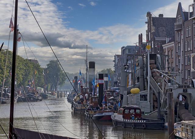 Wolwevers harbor Dordrecht