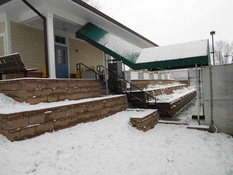 stairway-awning-breezeway-awning--hoffman-awning-photo