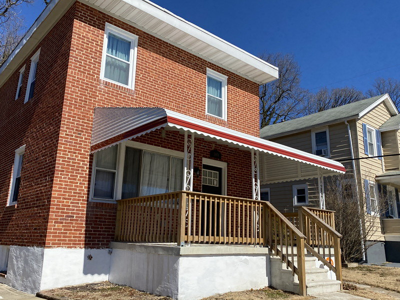 aluminum-stepdown-awning-with-style-line--hoffman-awning-baltimore
