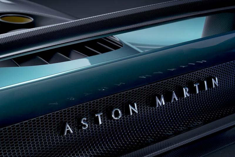 Aston-Martin-Valhalla (11)