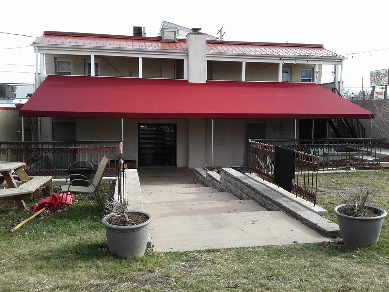 huge-front-porch-awning_Hoffman Awning
