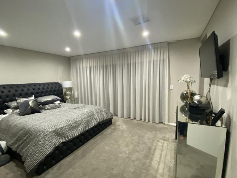 Get High Quality Plantation Shutters Bedroom In Sydney