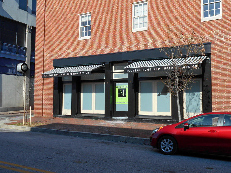 architectural-retractable--awnings-as-storefront