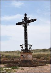 Cruz (Pueblo viejo de Belchite, Aragón, España, 13-6-2021)