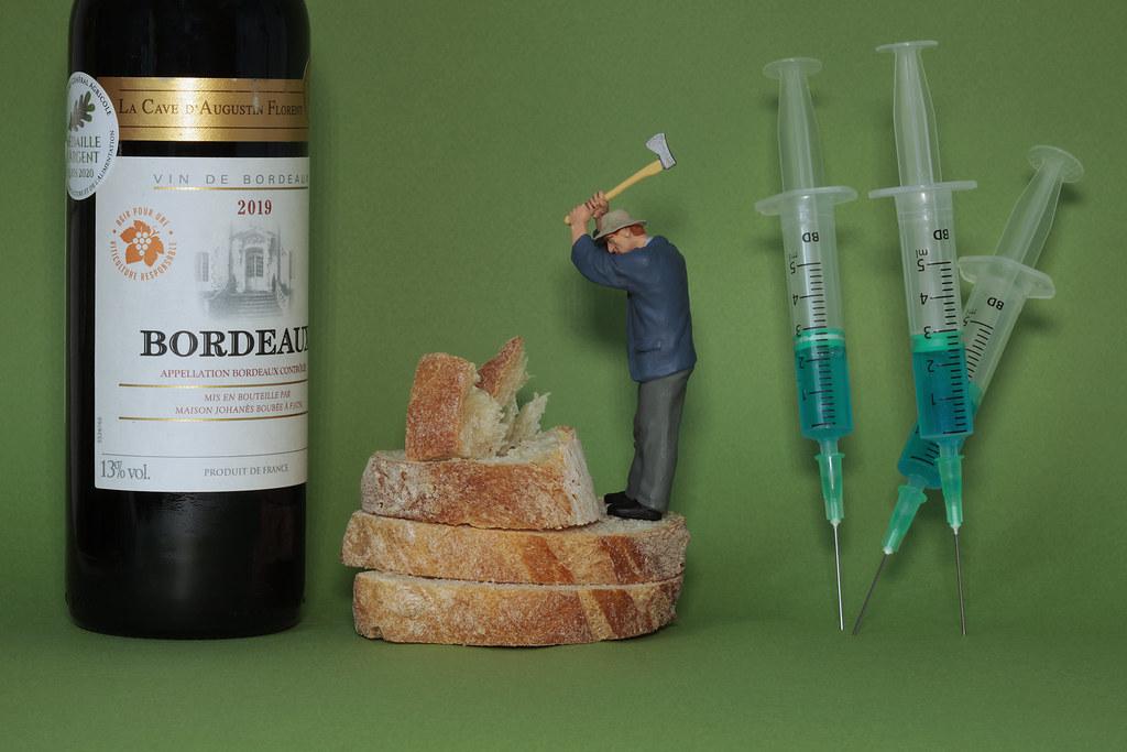 ou bien du pain, du vin, du vaccin ? / bread, wine and vaccine...