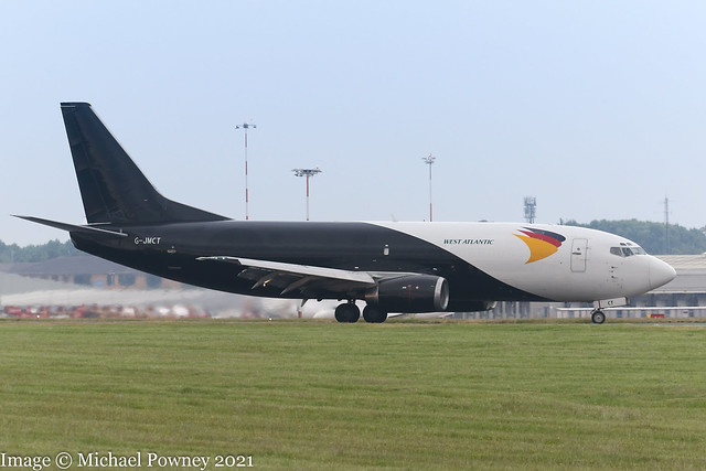 G-JMCT - 1990 build Boeing B737-3Y0SF, vacating Runway 27 on arrival at East Midlands