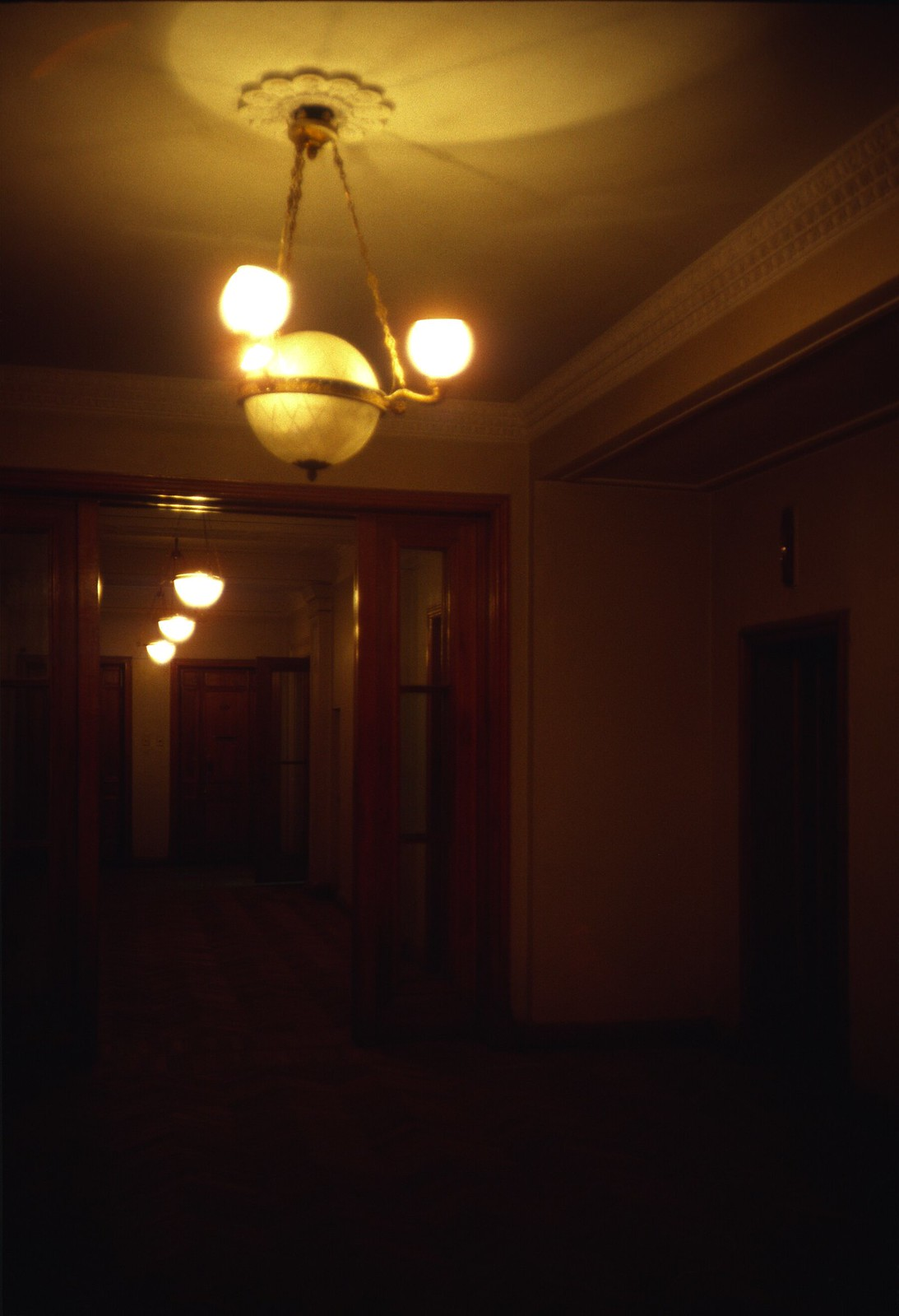 Площадь Восстания. 2 этаж, внутренний коридор(1)