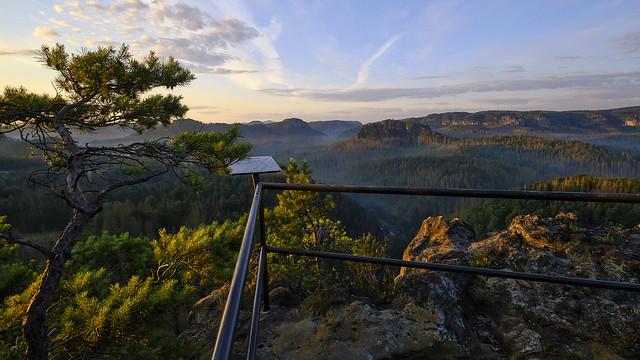 Sommermorgen mit Blick in die Hintere Sächsische Schweiz