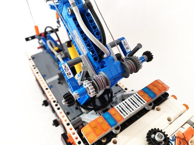 LEGO Technic Heavy-Duty Tow Truck (42128)