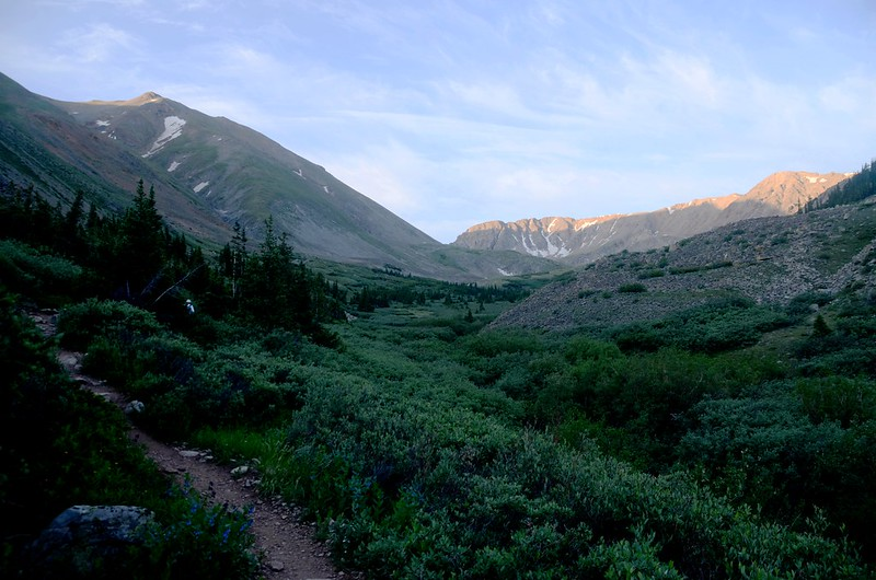 Just out of treeline,the terrain levels out and easy to hike (3)
