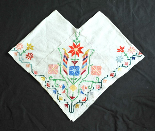 Mexico Textiles Quechquemitl Cape Clothing