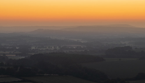 sky south southdownsnationalpark morning light england orange mist colour nature yellow composition sunrise canon landscape dawn golden countryside nationalpark colours westsussex dawning southdowns goldenhour englishcountryside morningmist firstlight beforesunrise rothervalley canoneos77d summer skyline skyscape photography warm skies open hill earlymorning july hills clear photograph valley summertime distance clearsky lightroom haze explored inexplore explore