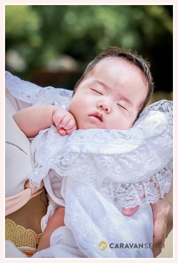 お宮参り 眠る赤ちゃん ベビードレス