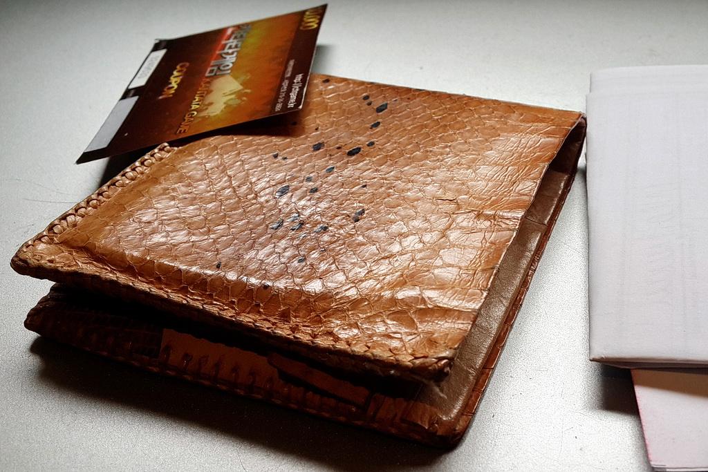 Eel skin wallet
