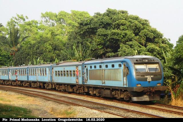 S12 925 (Udarat Menike  No1016 Badulla-Colombo Fort) at Orugodawattha in 16.02.2020